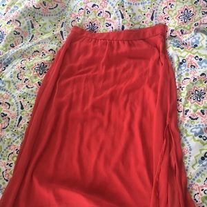 Maxi skirt with side slit, lined